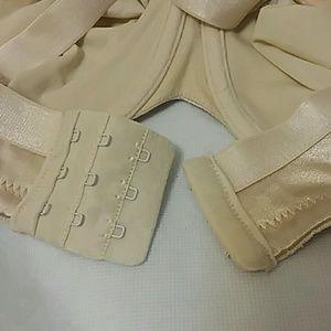Lilyette Intimates & Sleepwear - Lilyette 38D 910 Minimizer Shaping Underwire Bra